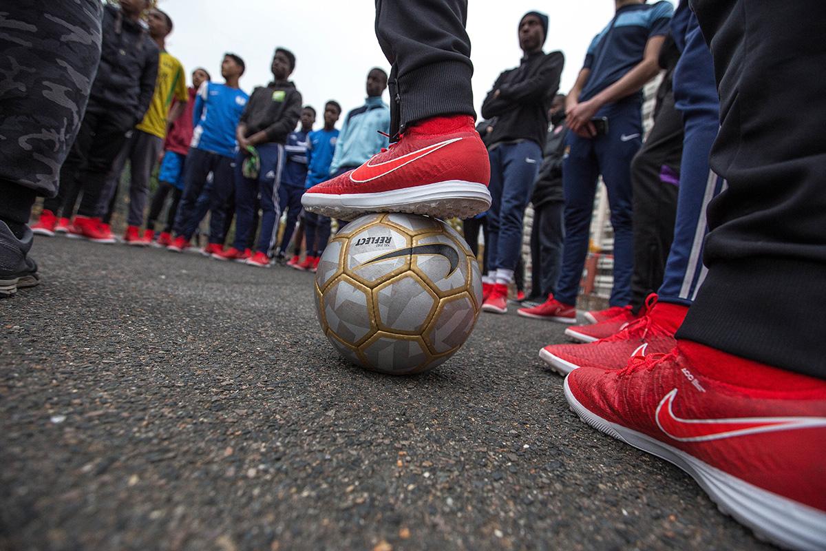 Ballon Sur Bitume A La Rencontre Du Street Football Francilien