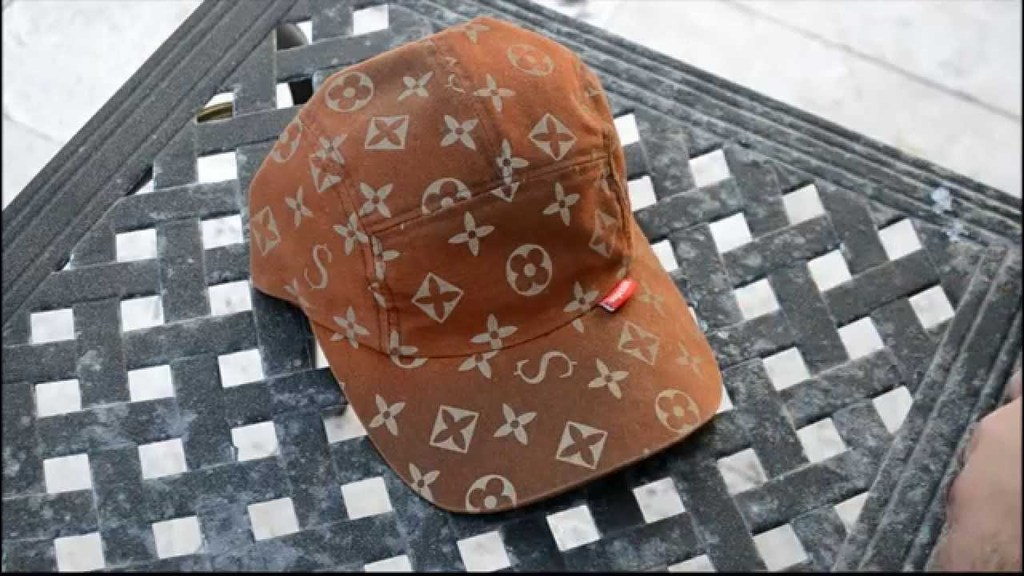fake-louis-vuitton-supreme