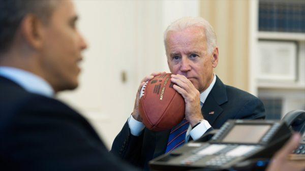 joe-bidden-barack-obama-yard