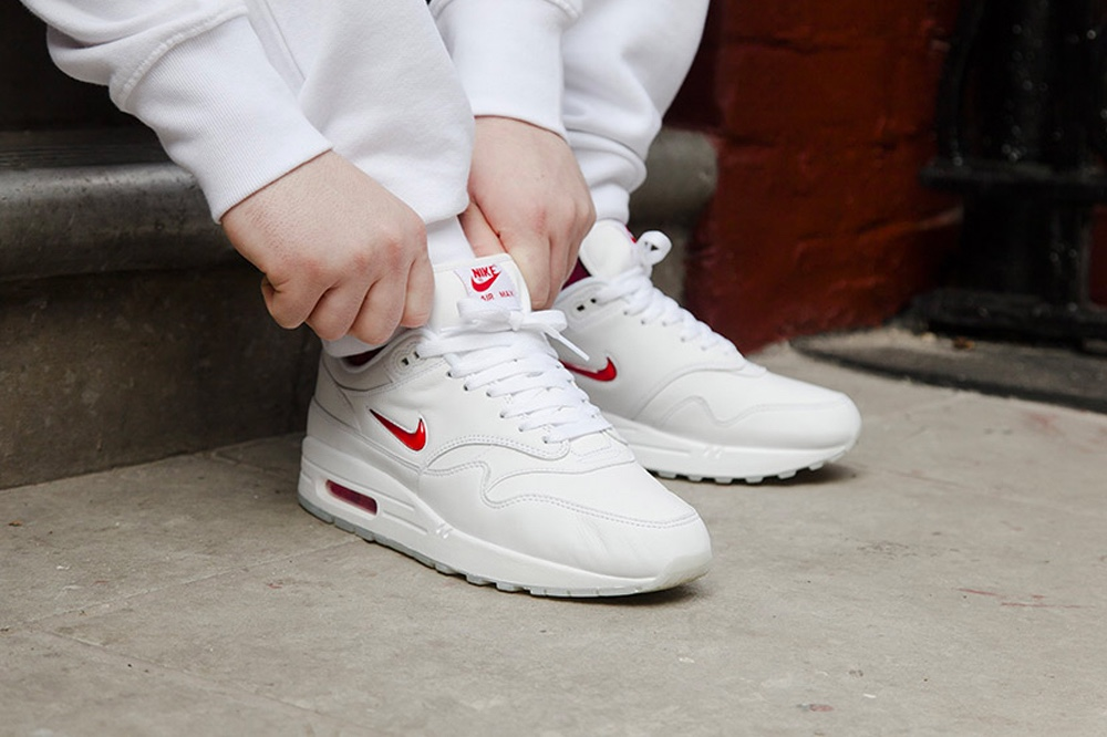 """La Nike Air Max 1 revient version """"Jewel White Red"""""""