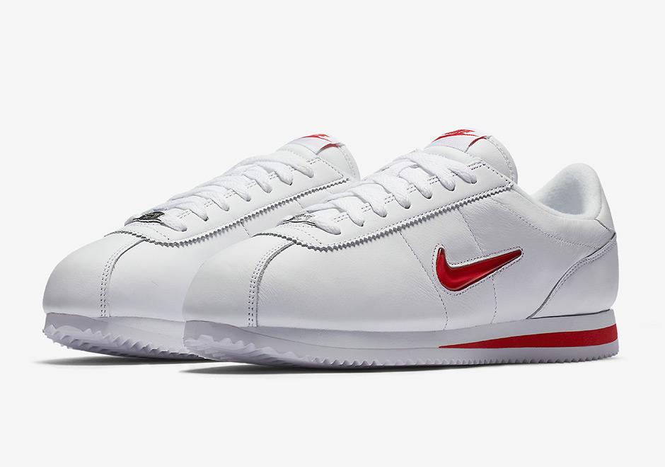 hot sale online shades of special section La Nike Cortez devient précieuse avec le