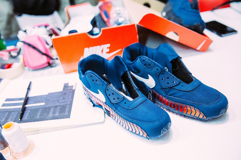 ... mais surtout une Nike Air Max 90 aux couleurs du PSG. La personnalisation s'est faite sur place par l'artiste Red Ribbon Recon et les paires sont ...